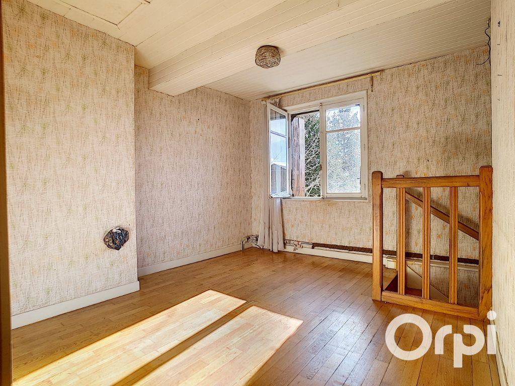 Maison à vendre 5 103.09m2 à Pionsat vignette-8