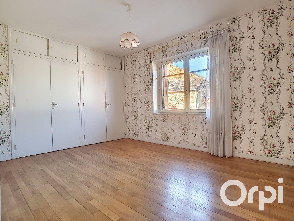 Maison à vendre 5 103.09m2 à Pionsat vignette-11