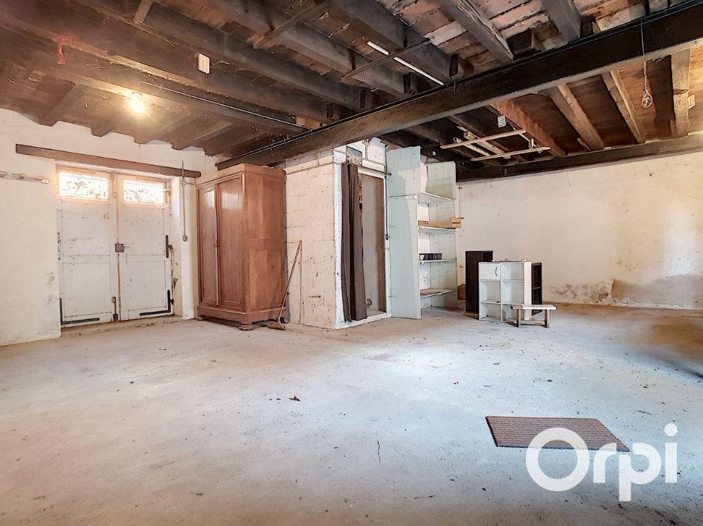 Maison à vendre 5 103.09m2 à Pionsat vignette-13