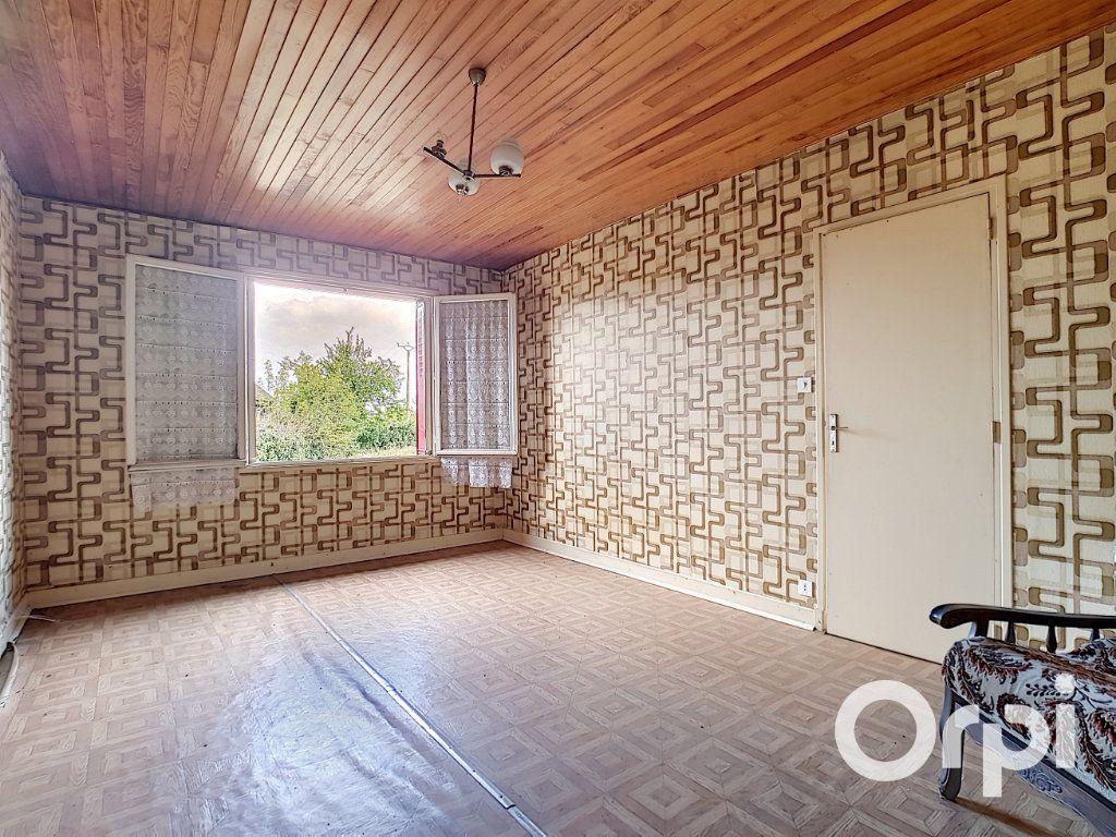 Maison à vendre 6 162.51m2 à Marcillat-en-Combraille vignette-8