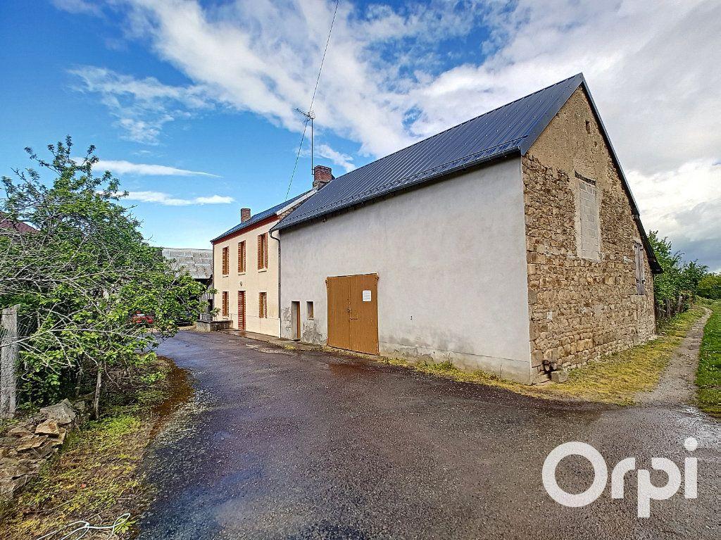 Maison à vendre 6 162.51m2 à Marcillat-en-Combraille vignette-14