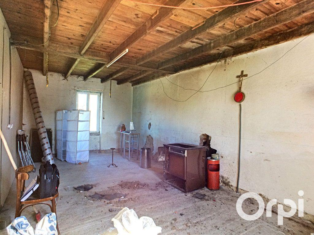 Maison à vendre 3 128m2 à Giat vignette-4