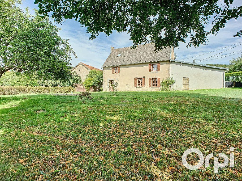 Maison à vendre 4 111m2 à Le Quartier vignette-3