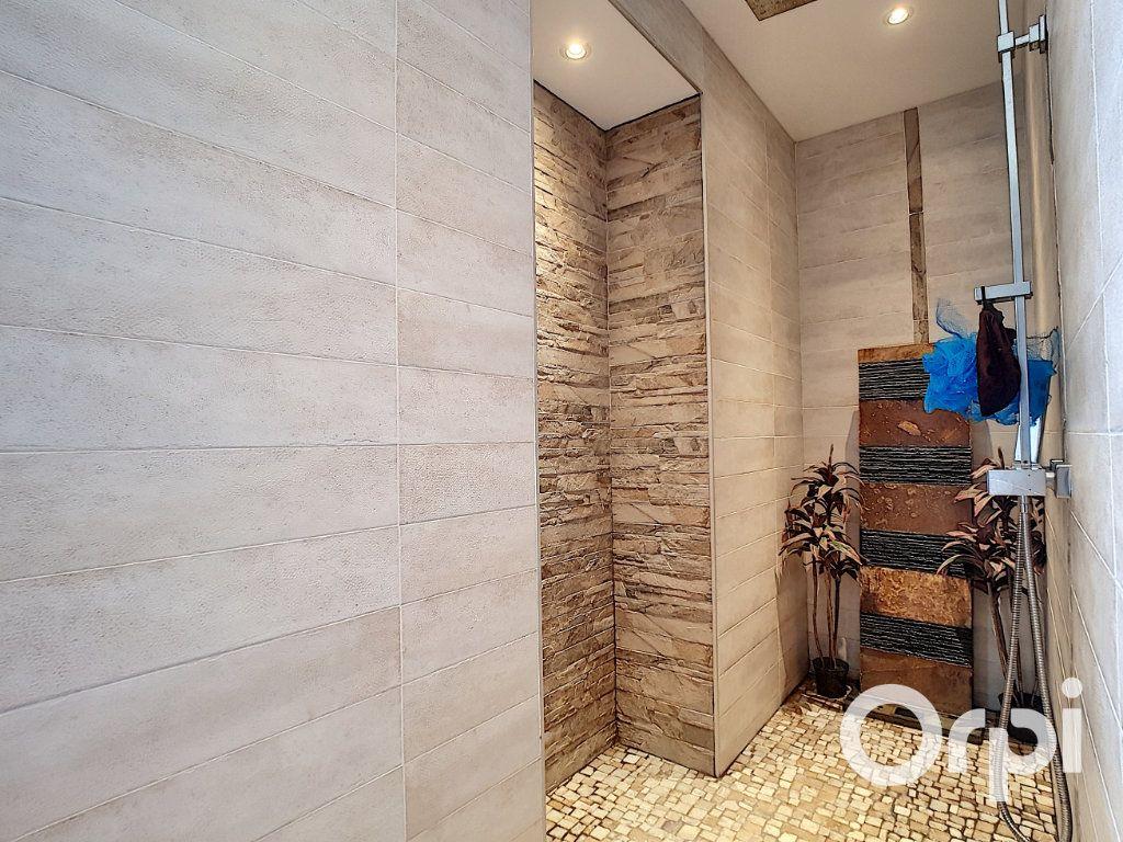 Maison à vendre 4 110m2 à La Cellette vignette-9