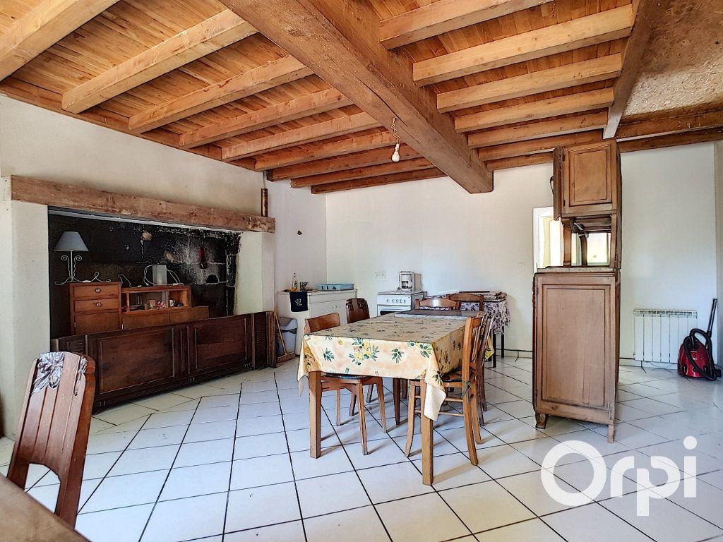 Maison à vendre 3 107m2 à Saint-Maigner vignette-2