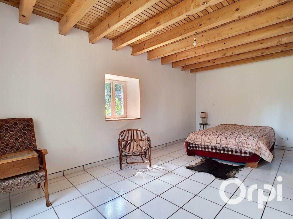 Maison à vendre 3 107m2 à Saint-Maigner vignette-3