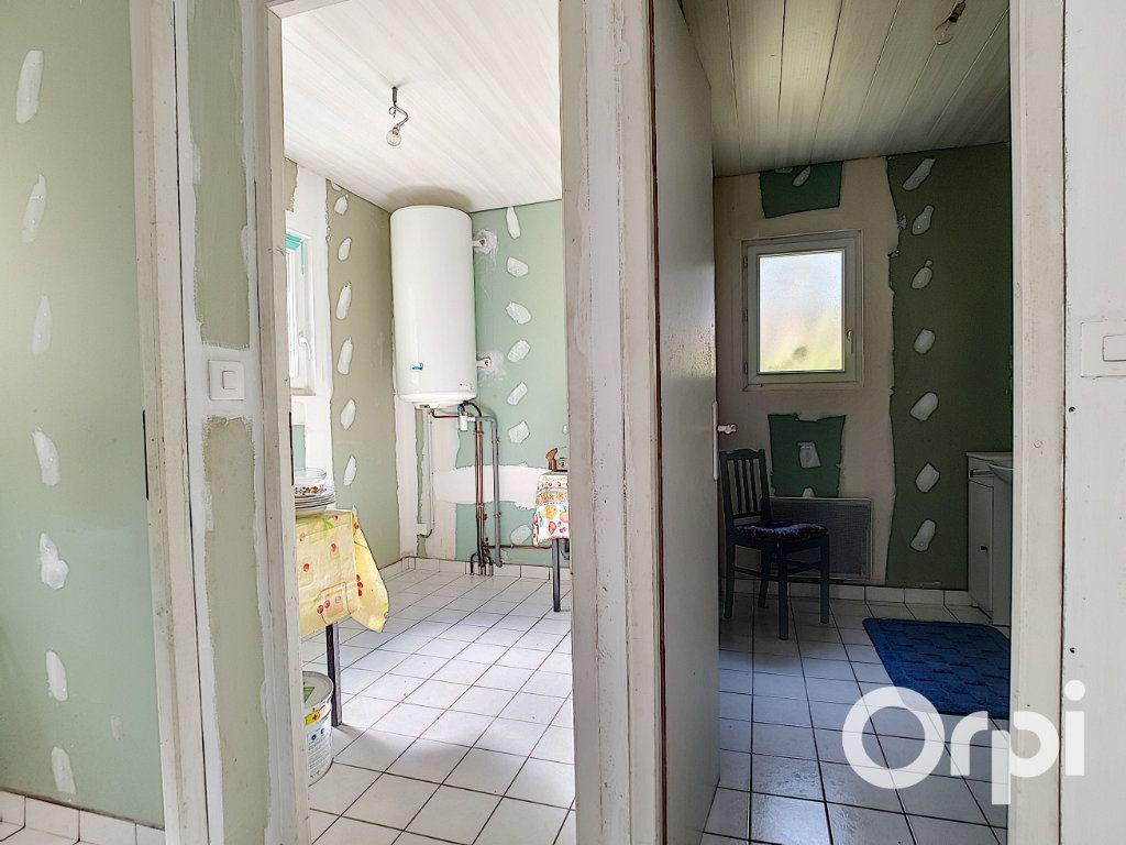 Maison à vendre 3 107m2 à Saint-Maigner vignette-4