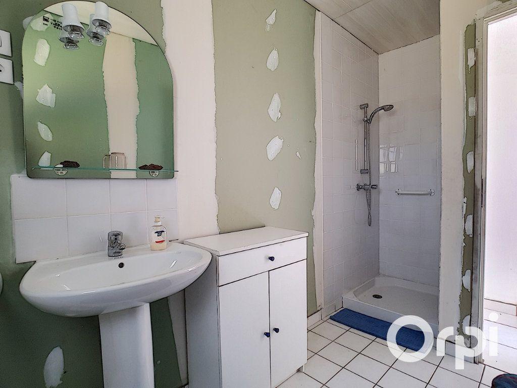 Maison à vendre 3 107m2 à Saint-Maigner vignette-7