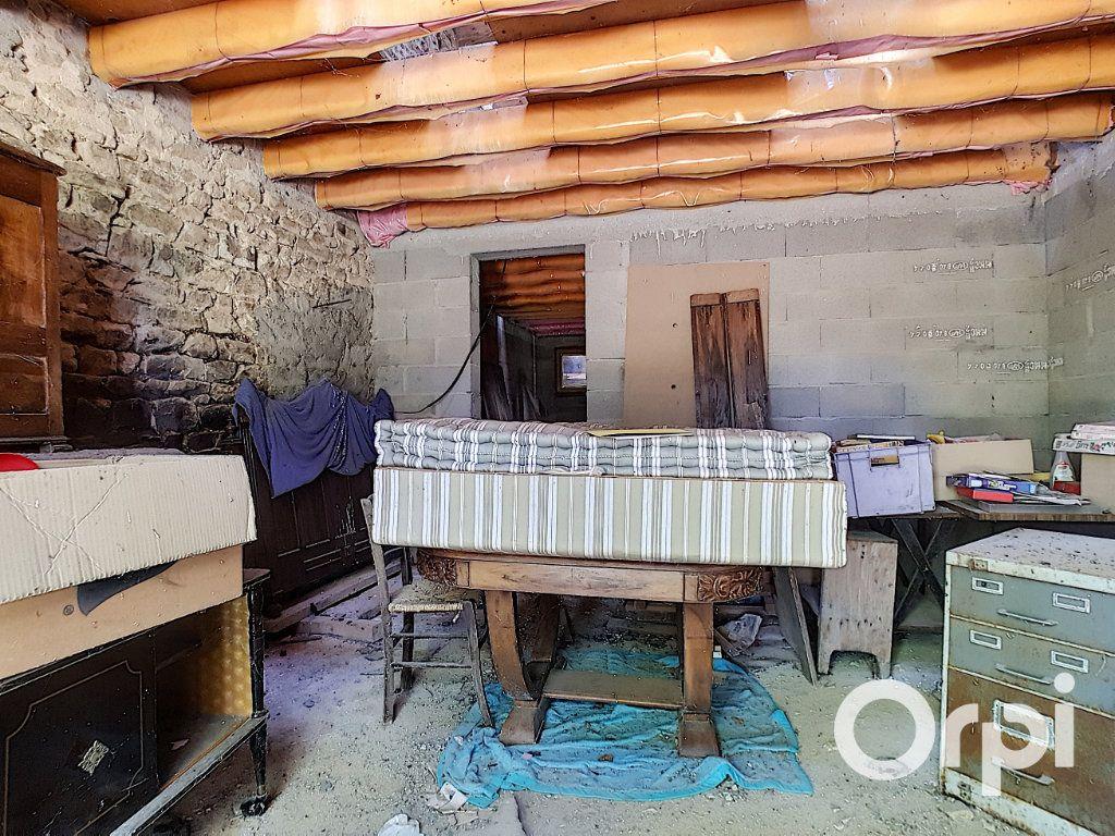 Maison à vendre 3 107m2 à Saint-Maigner vignette-9