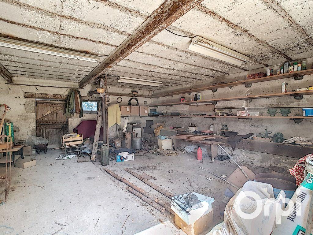 Maison à vendre 3 107m2 à Saint-Maigner vignette-15