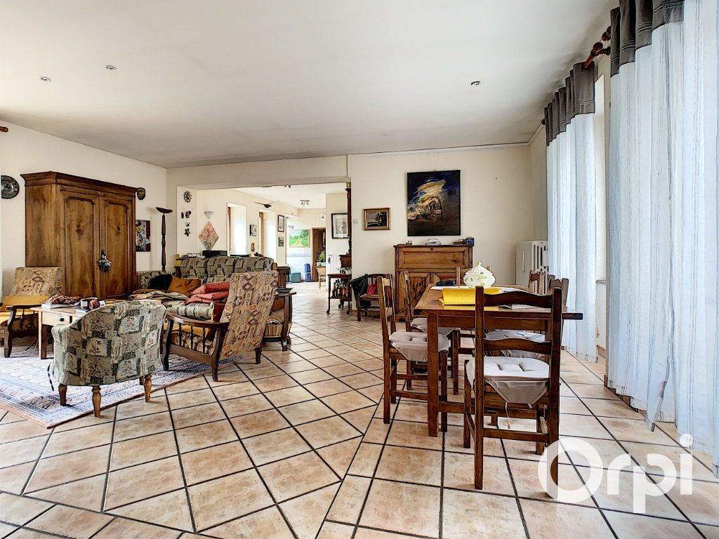 Maison à vendre 6 227m2 à Saint-Gervais-d'Auvergne vignette-3
