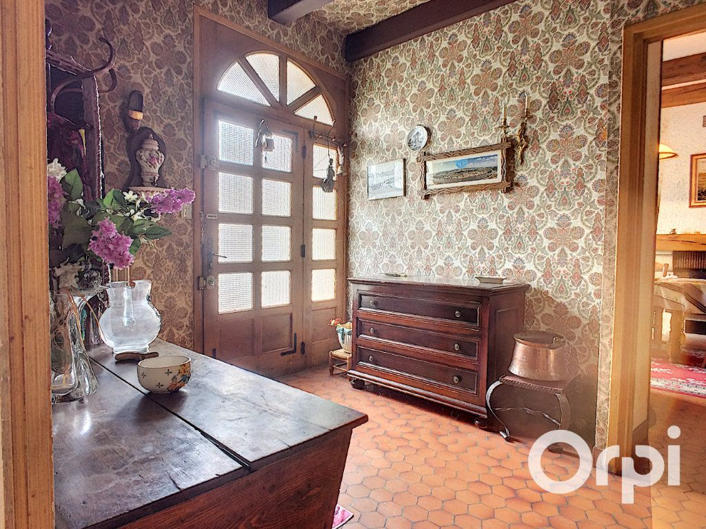Maison à vendre 7 195m2 à Pontaumur vignette-4