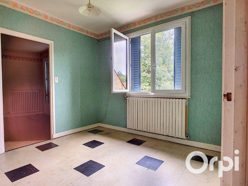 Maison à vendre 6 135m2 à Pontaumur vignette-5