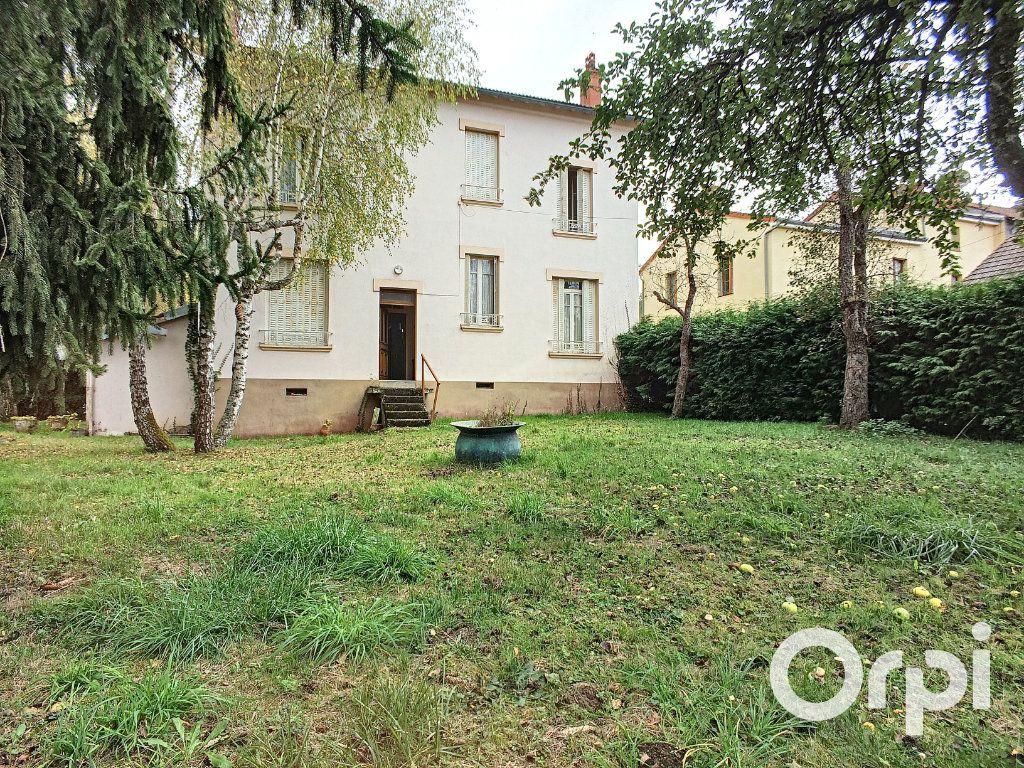 Maison à vendre 6 171.52m2 à Pontaumur vignette-1