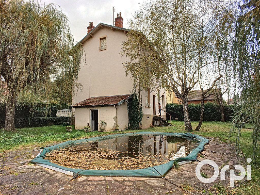 Maison à vendre 6 171.52m2 à Pontaumur vignette-2