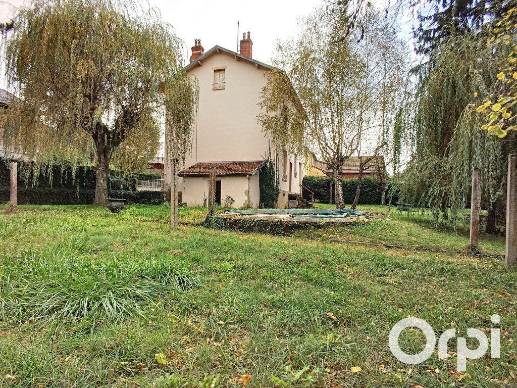 Maison à vendre 6 171.52m2 à Pontaumur vignette-3