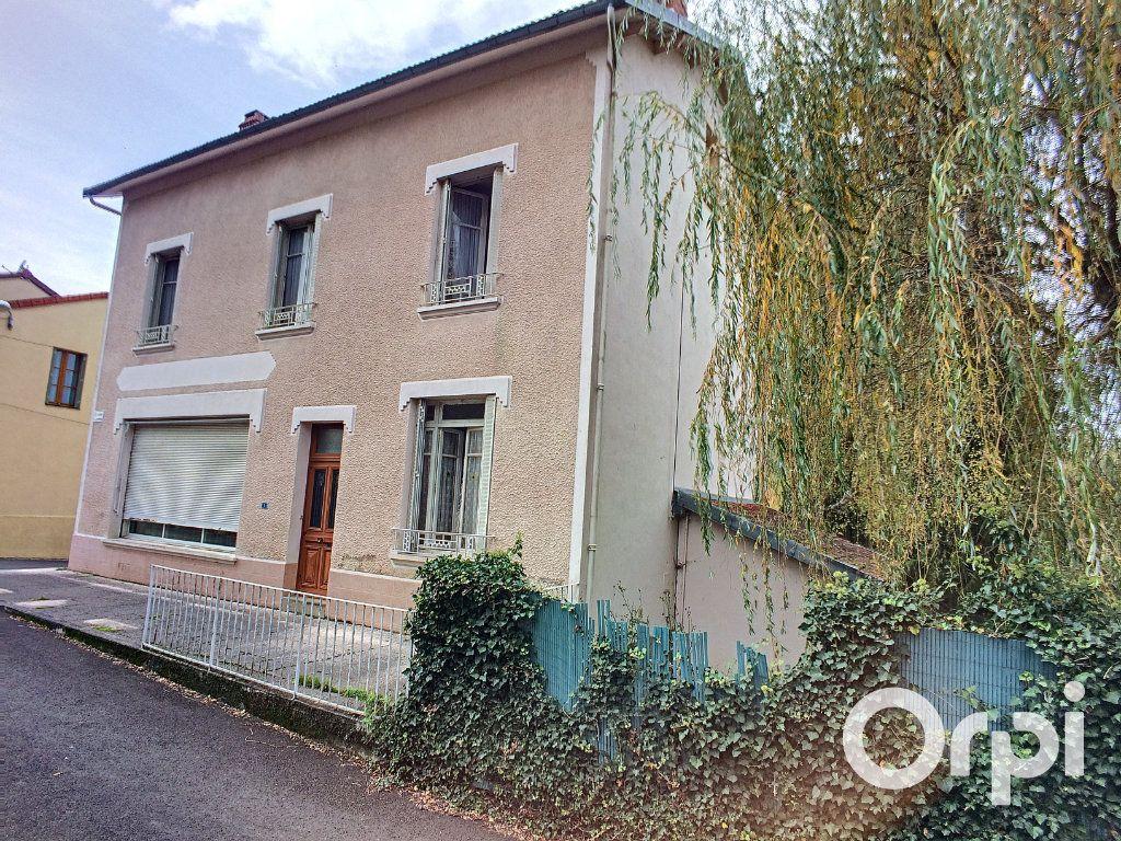 Maison à vendre 6 171.52m2 à Pontaumur vignette-4
