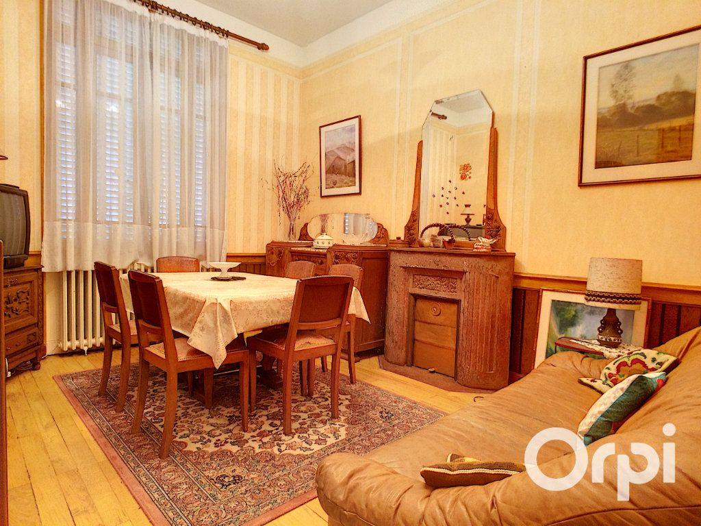 Maison à vendre 6 171.52m2 à Pontaumur vignette-9