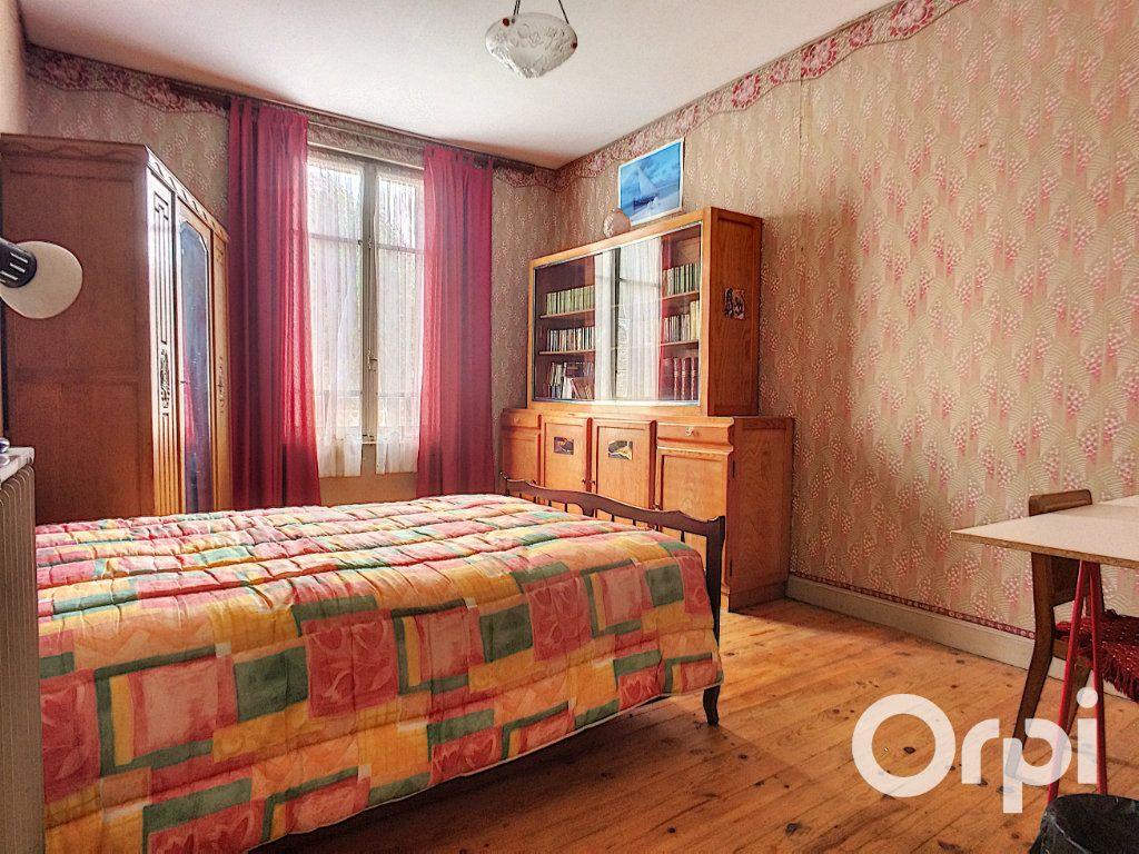 Maison à vendre 6 171.52m2 à Pontaumur vignette-13