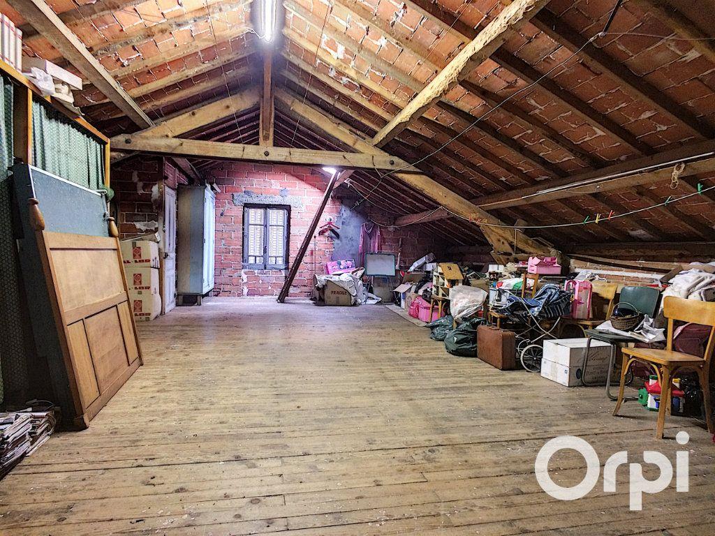 Maison à vendre 6 171.52m2 à Pontaumur vignette-15