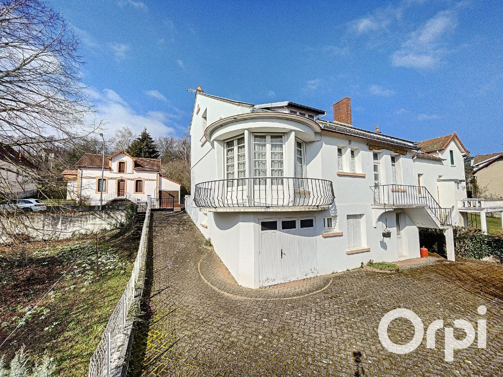 Maison à vendre 8 176.5m2 à Saint-Éloy-les-Mines vignette-2