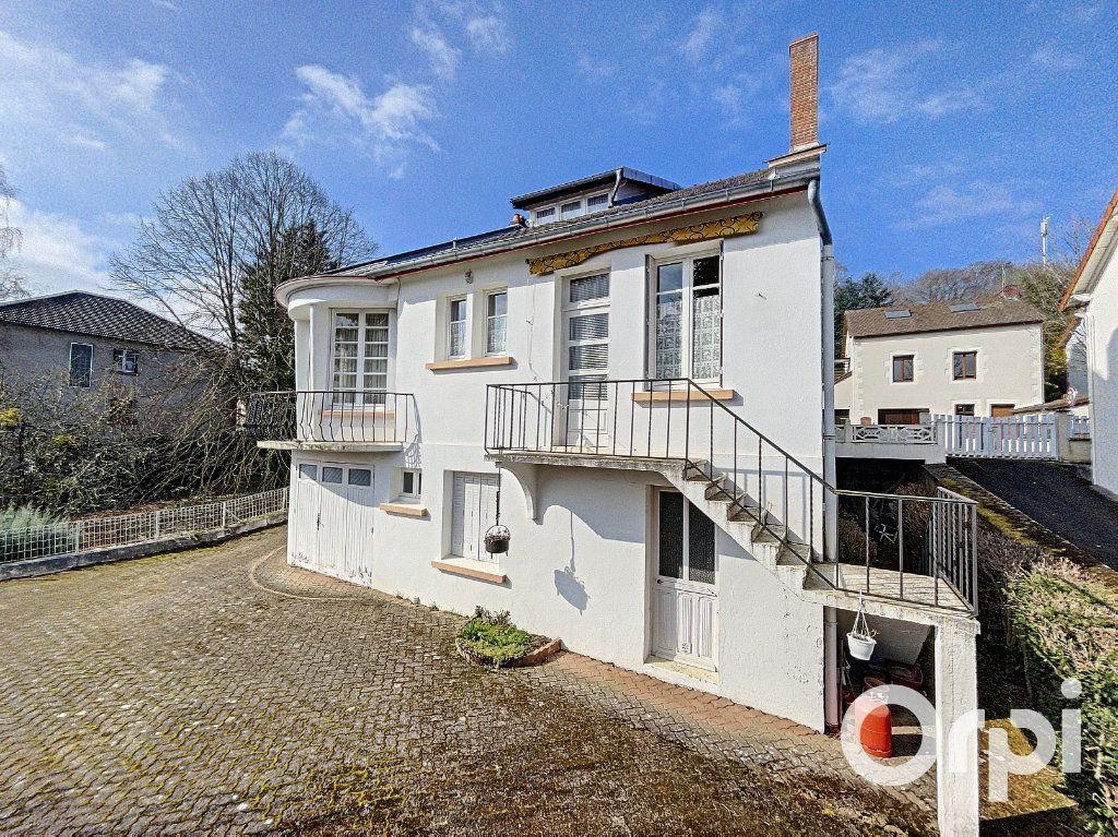 Maison à vendre 8 176.5m2 à Saint-Éloy-les-Mines vignette-4