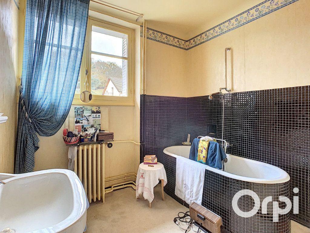 Maison à vendre 8 176.5m2 à Saint-Éloy-les-Mines vignette-9