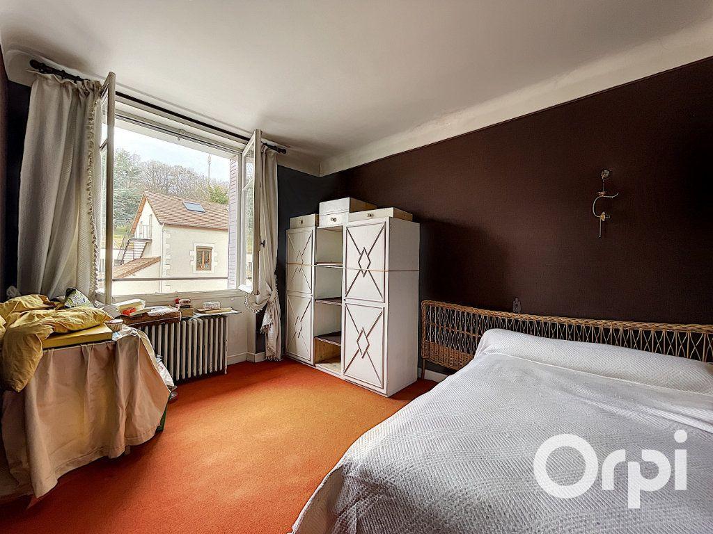 Maison à vendre 8 176.5m2 à Saint-Éloy-les-Mines vignette-10