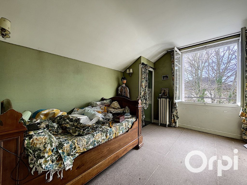 Maison à vendre 8 176.5m2 à Saint-Éloy-les-Mines vignette-14