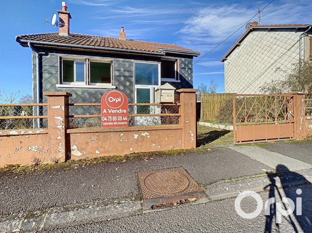 Maison à vendre 4 78m2 à Saint-Gervais-d'Auvergne vignette-1