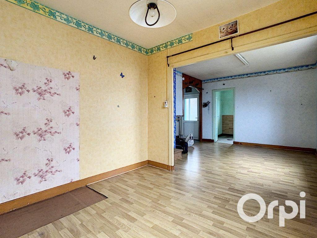 Maison à vendre 4 78m2 à Saint-Gervais-d'Auvergne vignette-3