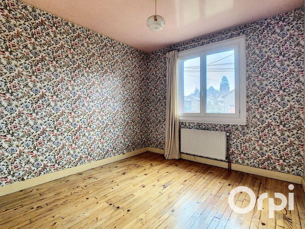 Maison à vendre 4 78m2 à Saint-Gervais-d'Auvergne vignette-4