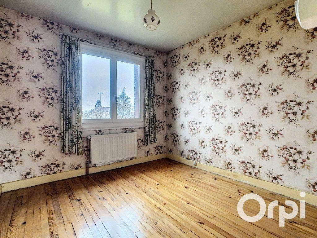 Maison à vendre 4 78m2 à Saint-Gervais-d'Auvergne vignette-5