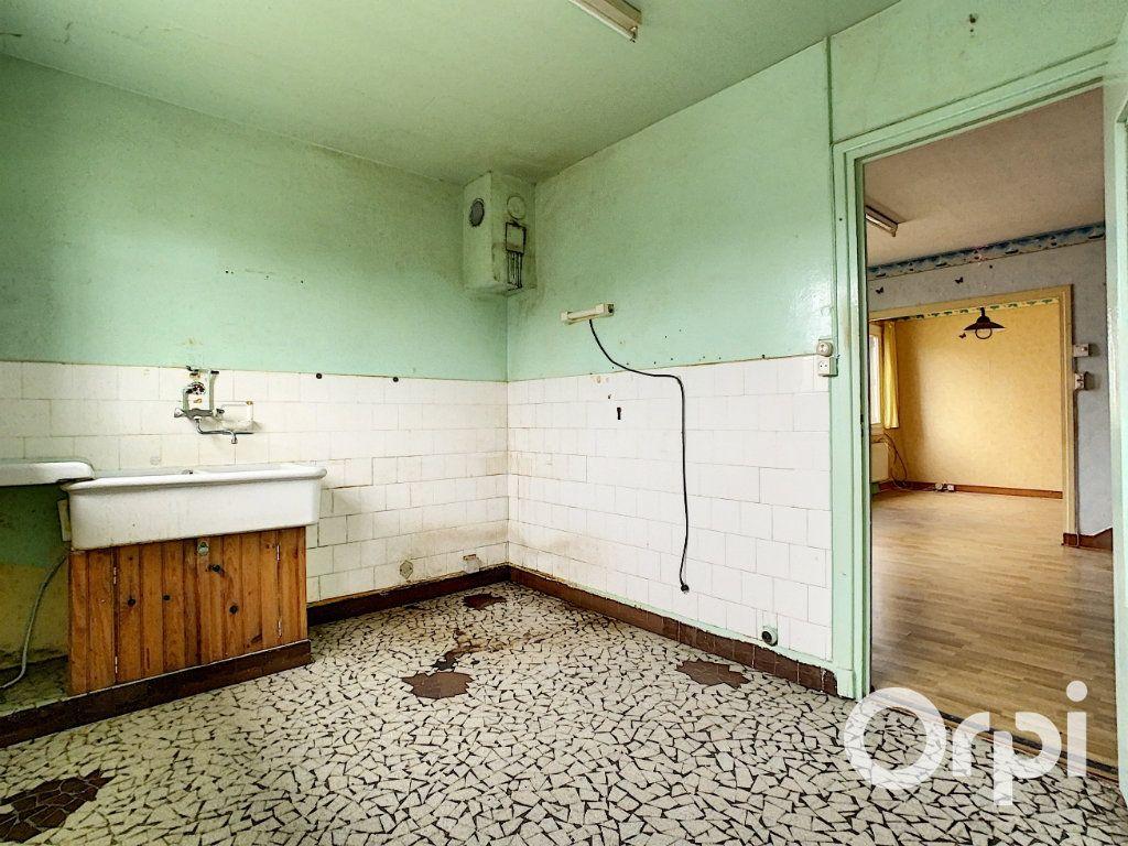 Maison à vendre 4 78m2 à Saint-Gervais-d'Auvergne vignette-7