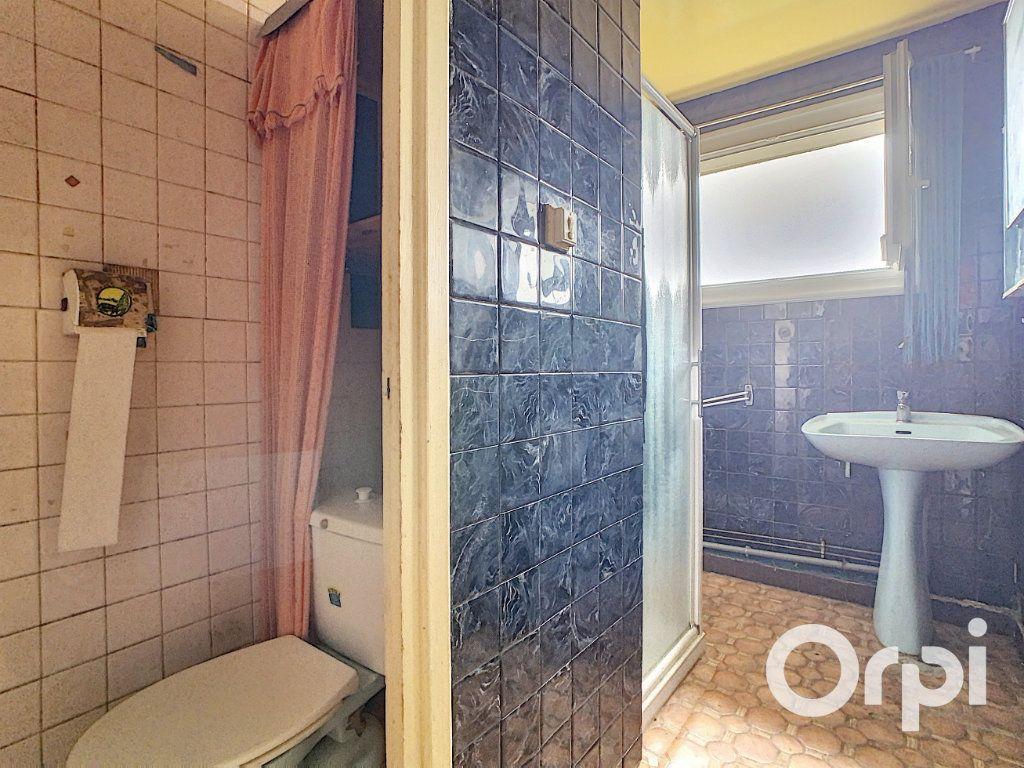 Maison à vendre 4 78m2 à Saint-Gervais-d'Auvergne vignette-8