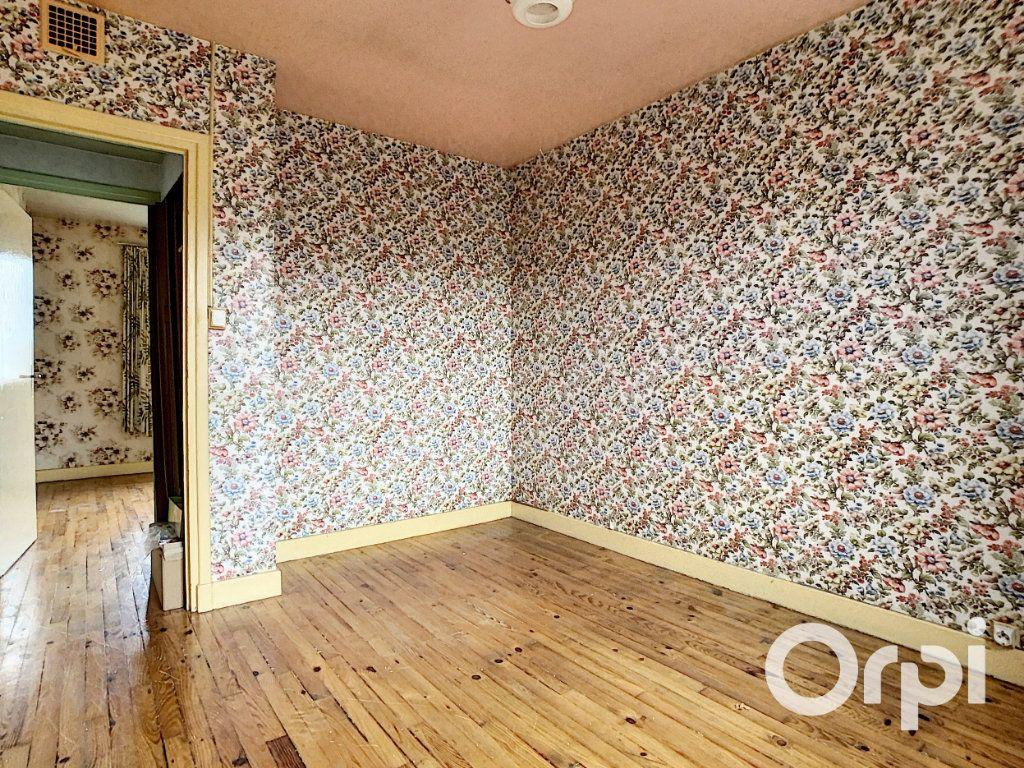 Maison à vendre 4 78m2 à Saint-Gervais-d'Auvergne vignette-10