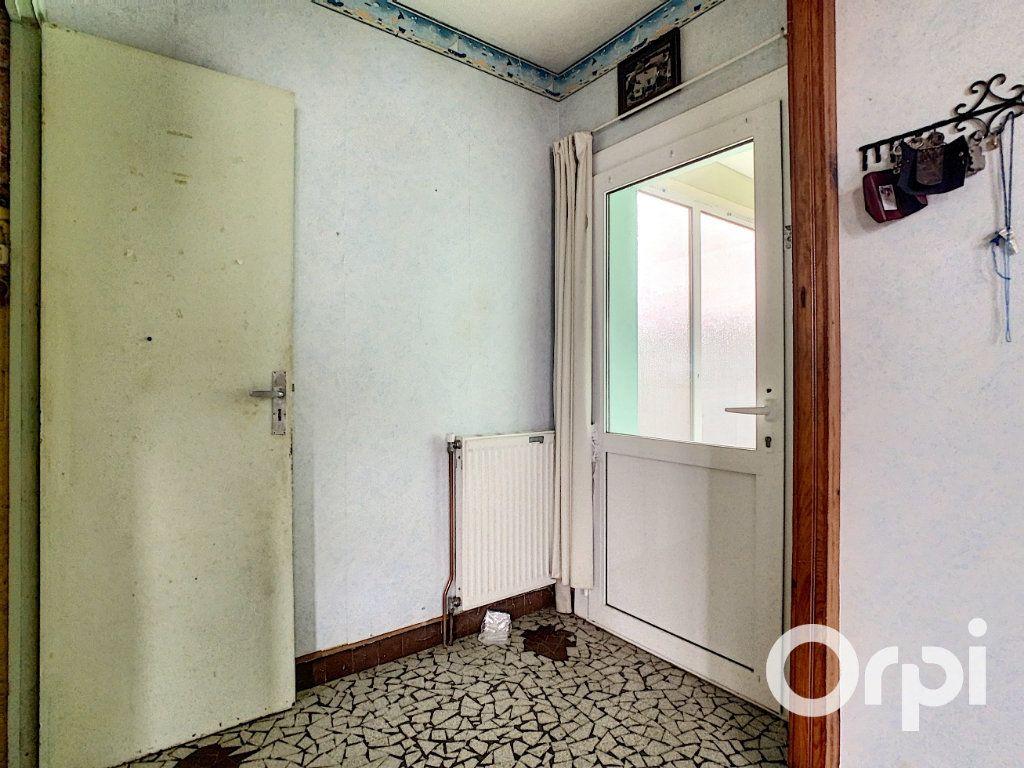 Maison à vendre 4 78m2 à Saint-Gervais-d'Auvergne vignette-12