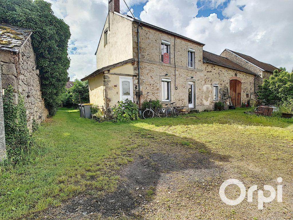 Maison à vendre 4 127m2 à Saint-Fargeol vignette-1