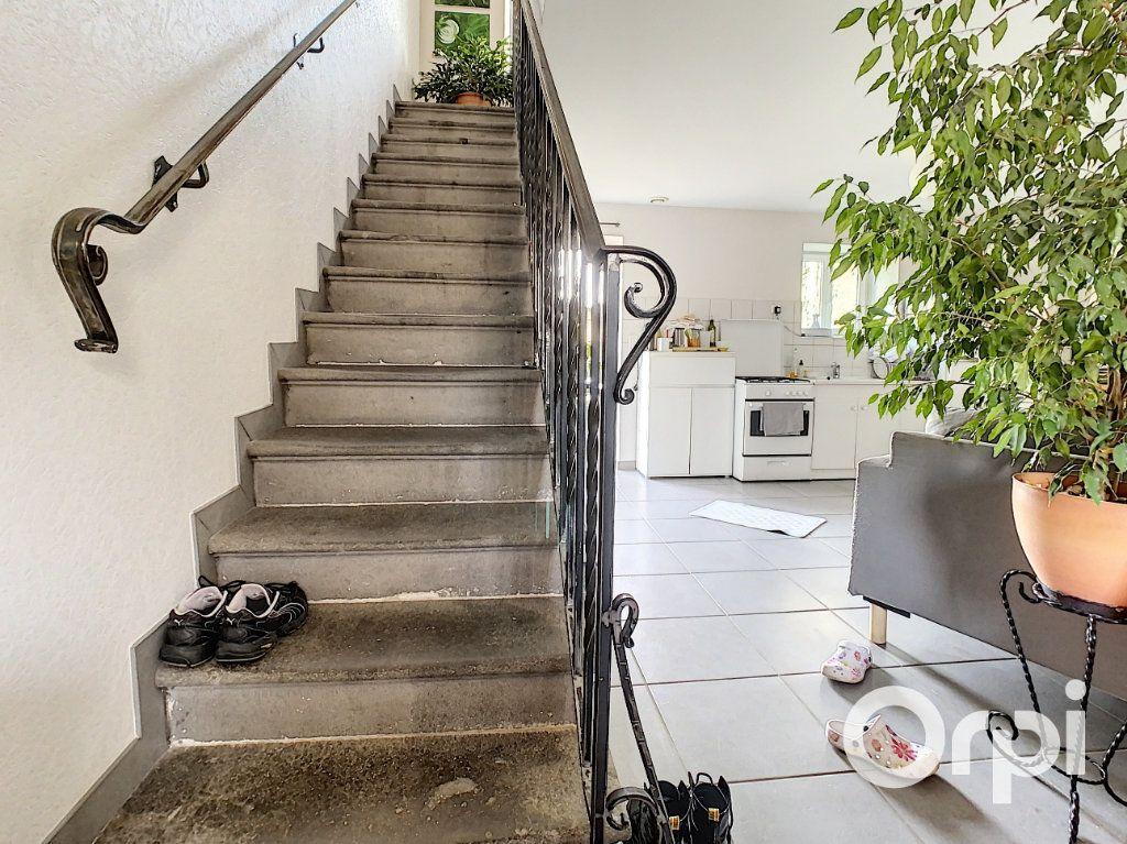 Maison à vendre 6 126m2 à Saint-Priest-des-Champs vignette-4