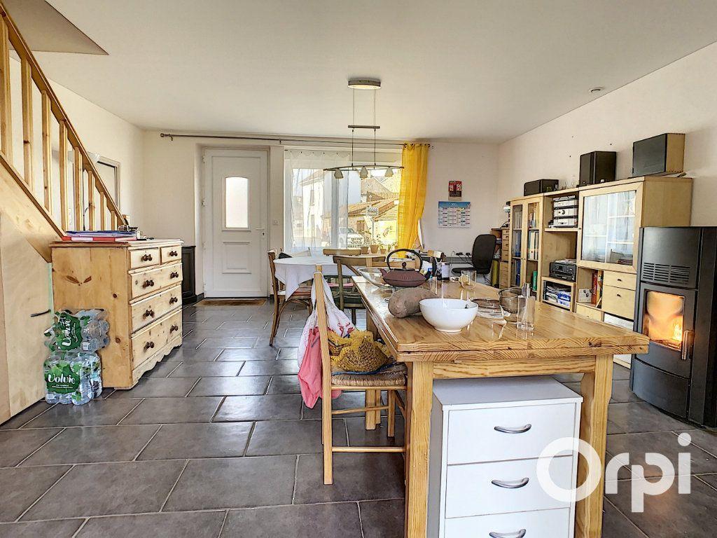Maison à vendre 6 126m2 à Saint-Priest-des-Champs vignette-9