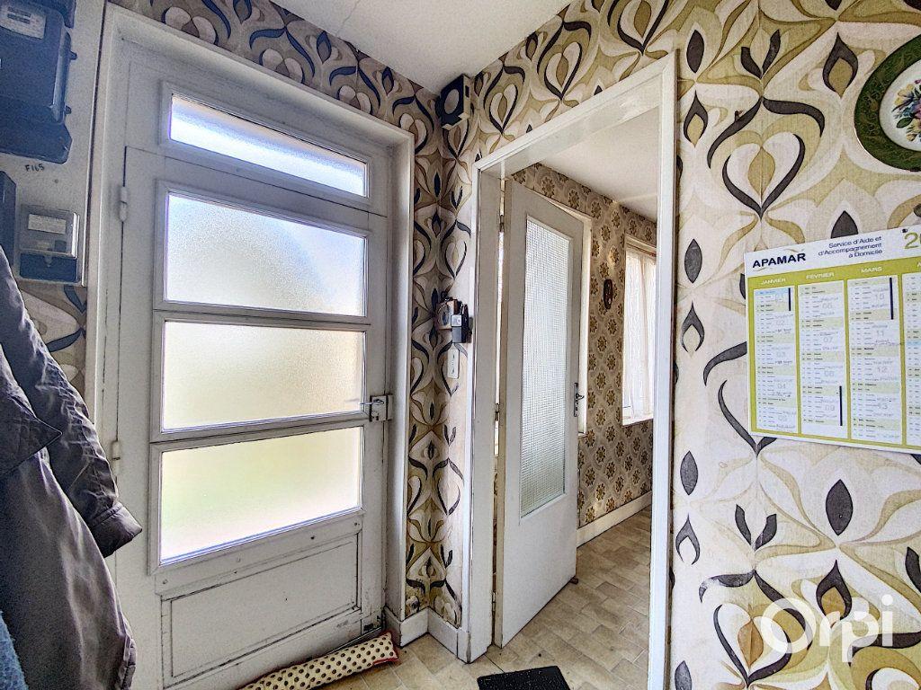Maison à vendre 3 55m2 à Saint-Éloy-les-Mines vignette-3