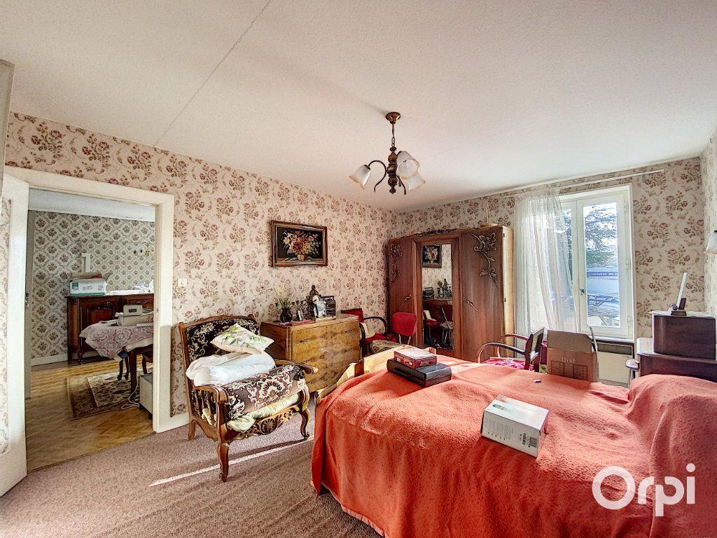 Maison à vendre 3 55m2 à Saint-Éloy-les-Mines vignette-9