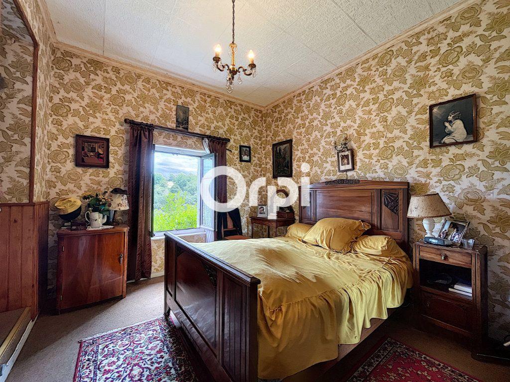 Maison à vendre 4 68m2 à Saint-Éloy-les-Mines vignette-4