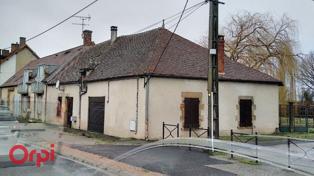 Maison à vendre 5 130m2 à Voussac vignette-1