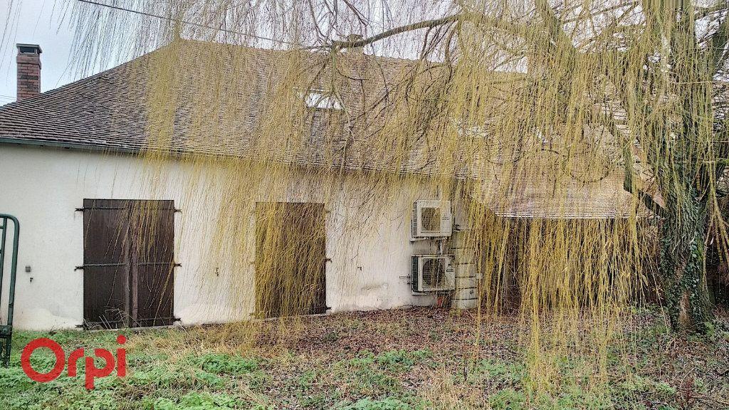 Maison à vendre 5 130m2 à Voussac vignette-2