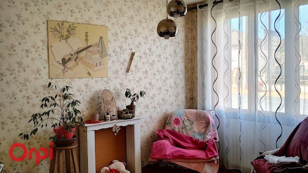 Maison à vendre 4 75m2 à Doyet vignette-3