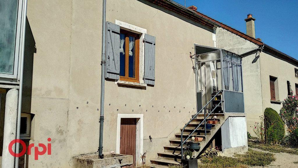 Maison à vendre 4 75m2 à Doyet vignette-8