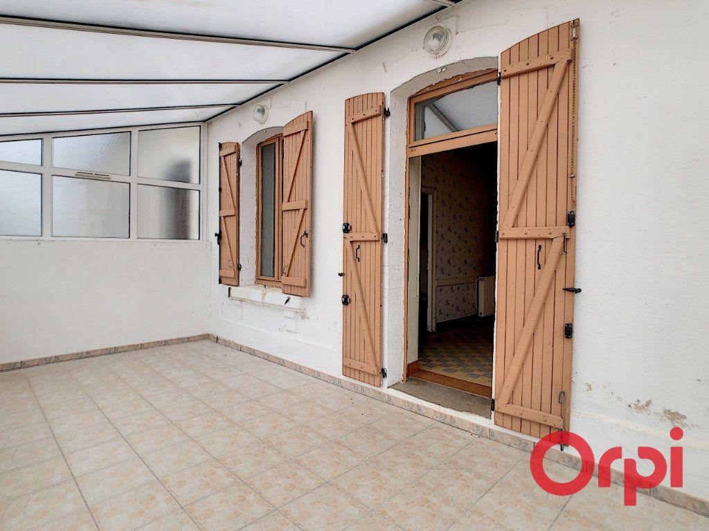Maison à vendre 5 101m2 à Néris-les-Bains vignette-2