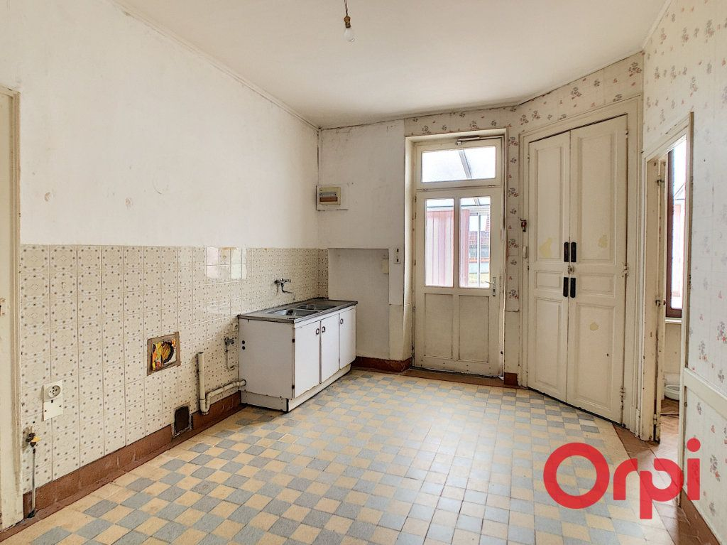 Maison à vendre 5 101m2 à Néris-les-Bains vignette-3