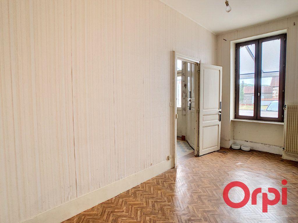 Maison à vendre 5 101m2 à Néris-les-Bains vignette-4